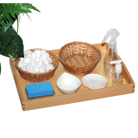 Activity Set: Cleaning The Leaves With Wooden Tray